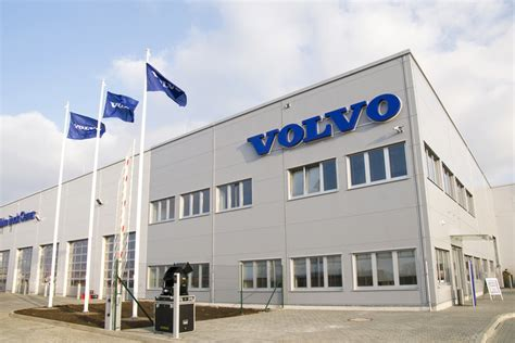 volvo truck service center volvo truck center opens in republic