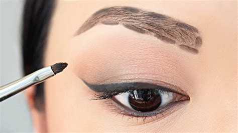 how to color in your eyebrows how to fill in your eyebrows for beginners chiutips
