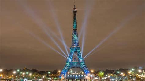 eiffel tower light eiffel tower at illuminations light