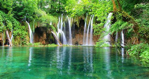 most beautiful waterfalls the world s most beautiful waterfalls halaltrip