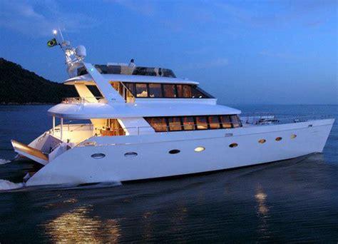 luxury boat rentals bahamas luxury crewed catamaran atlantis ii sun boats 80