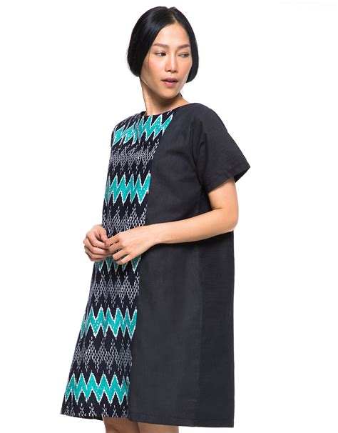 Midi Dress Hitam massilca ethnic simple midi dress hijau hitam