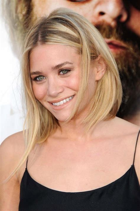 Ashley Olsen Clothes & Outfits   Steal Her Style