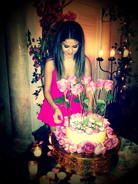 imagenes de justin bieber happy birthday selena gomez celebrates 20th birthday with boyfriend