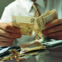 quanto posso versare in contanti in banca distinta di versamento come impiegarla in banca
