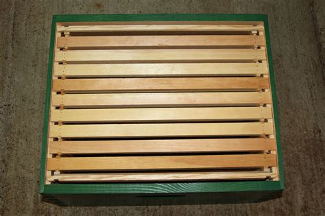 top bar hive follower board how to make follower boards for a langstroth hive honey bee suite