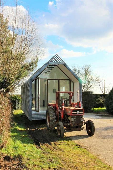 libro shepherds huts living mini cabin by contemporary shepherds huts tiny living