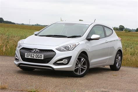 hatchback hyundai hyundai i30 hatchback review parkers