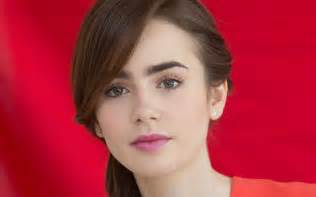 Cute lily collins pink lips wallpaper hd 1920x1200