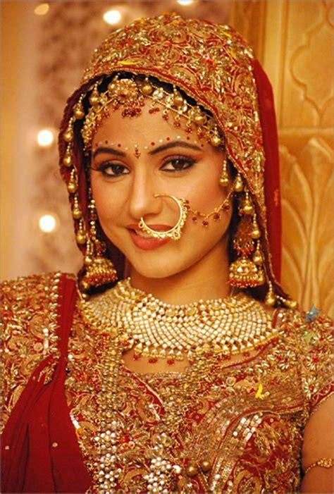 akshara wedding hairstyle akshara wedding hairstyle akshara aka hina khan looks