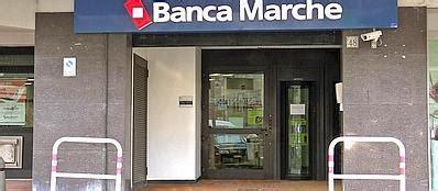 Banca Delle Marche Orari by Assalto Alla Banca Con 12 Ostaggi 232 Caccia Alla Banda