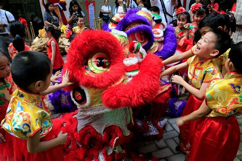 new year in binondo lunar new year year of the rooster 2017 al