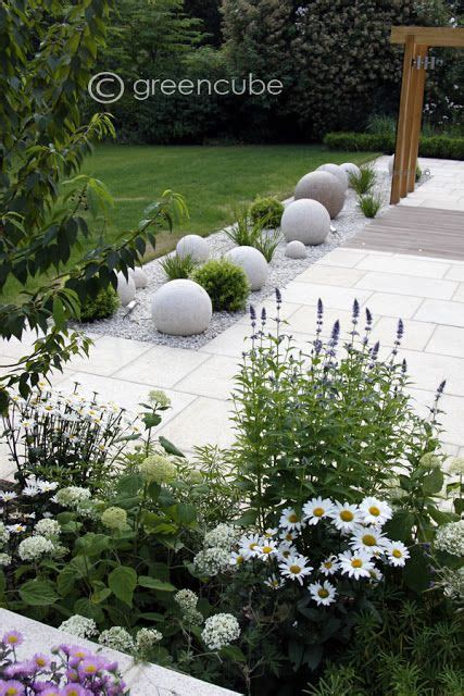 Landscape Pictures With Balls 25 Best Ideas About Modern Garden Design On