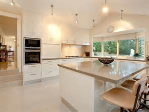 Retro kitchen dining kitchen design using laminate