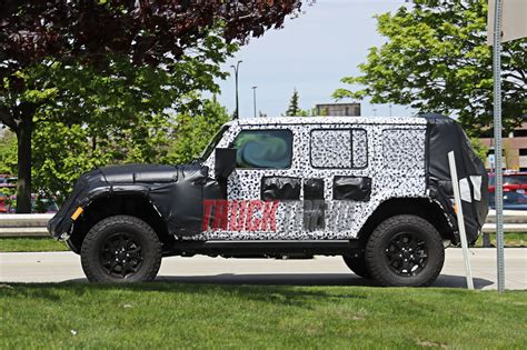 jl jeep release date 2018 jeep jl wrangler spied photos price release date