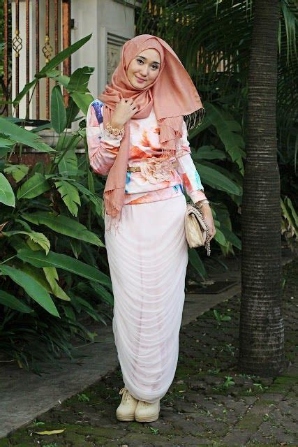 Mode Baju Muslim Trendy 36 best images about busana muslim bagus on models sharks and polos