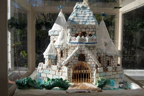 cool gingerbread houses cool gingerbread houses best pictures of unique gingerbread houses