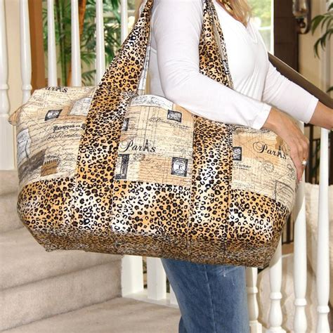 pattern for travel tote bag getaway travel duffle bag tote by hillarymdesigns craftsy