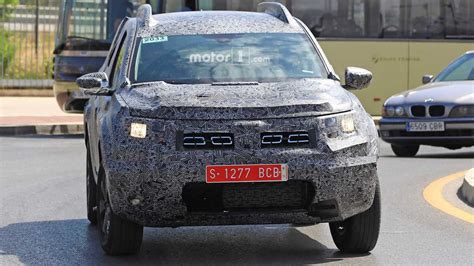 renault duster 2018 2018 dacia duster spied for the first time