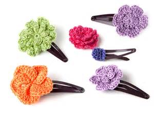 free patterns and on flower hair crochet hair clip pattern step by step yarn twist