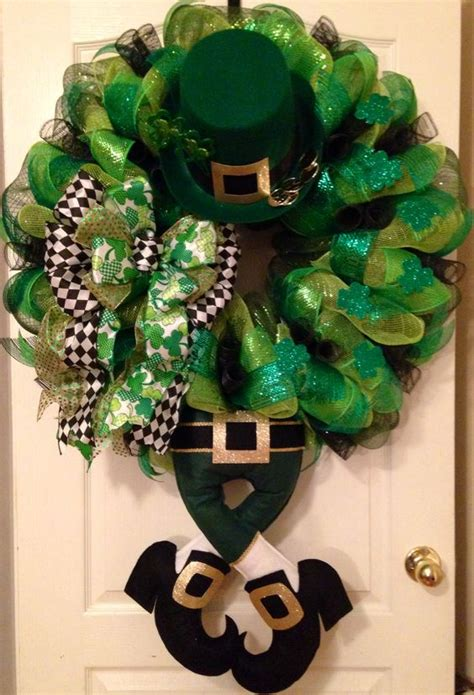 wreath rubber st 19 diy st patricks day decorations decor ideas blupla