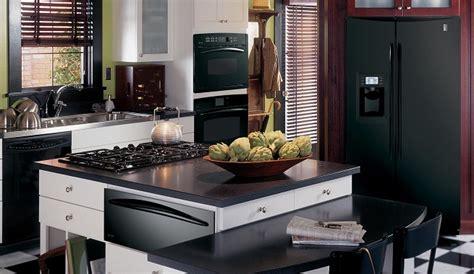 decorar la cocina de color negro