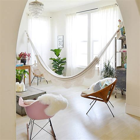 How To Hang A Hammock Chair Indoors by Indoor Hammock Hanging Kits And Tips The Ultimate Hang
