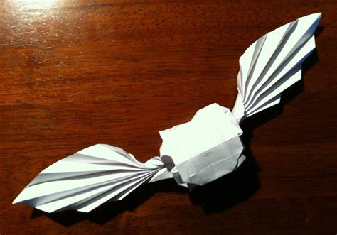 Harry Potter Origami - 399 golden snitch setting the crease