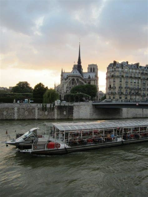 cruising the seine river in paris how to choose the best - Boat Cruise Seine