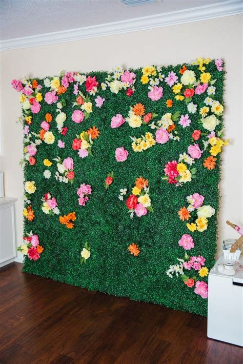 Easy Wedding Backdrop by How To Make A Boxwood Backdrop Backdrops Backdrop Ideas