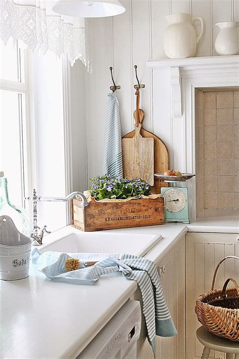 charming cottage kitchen design  decorating ideas
