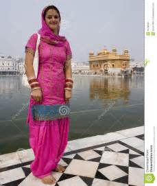sikh woman golden temple amritsar india editorial