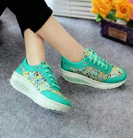 jual sepatu wanita kest casual motif bunga sds166 di lapak