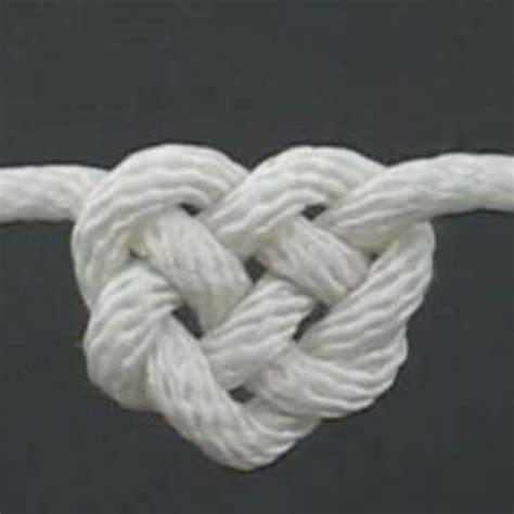 como hacer nudos de pulsera como hacer pulsera nudos corazon ideas diy