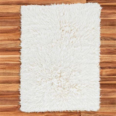 white flokati rug buy flokati rug 2800g m2 200x300cm the real rug company
