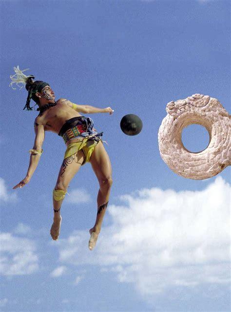 imagenes de los mayas jugando futbol el juego de pelota maya taringa