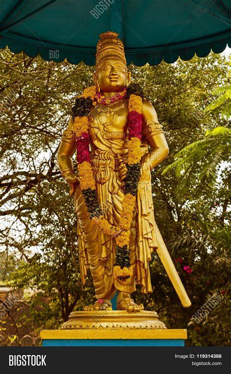 Raja At Abs2 1 statue king raja raja chola outer image photo bigstock