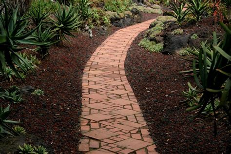 Garden Path Garden Paths And Walkways How To Make Garden Pathways