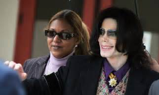 Australian Drag Stalks Michael Jackson by Michael Jackson S Estate Wins Major Court Daily