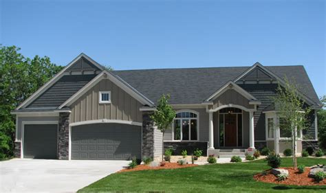 inviting home warm and inviting 4 bedroom home with open floor plan