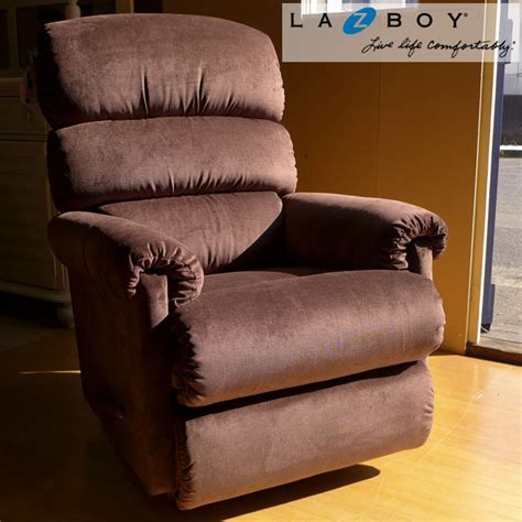 lazy boy rialto recliner rialto reclining sofa by la z boy rs gold sofa