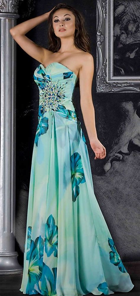 323 best Vestidos de Fiesta Cortos y Largos images on Pinterest   Long gowns, Ball gown and