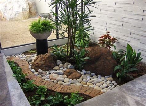 Small Garden Rocks 17 Best Images About Rock Garden Ideas On Gardens Front Yard Landscaping And Front