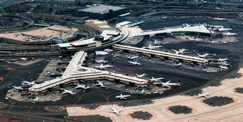 how far is newark liberty airport from jfk airport