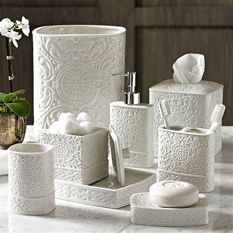 Damask Porcelain Bath Accessories   Gracious Style