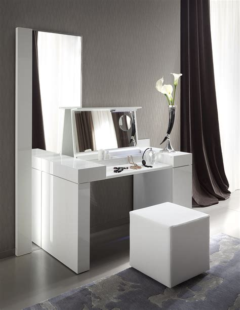 Contemporary Vanity Table Rossetto Dressing Table