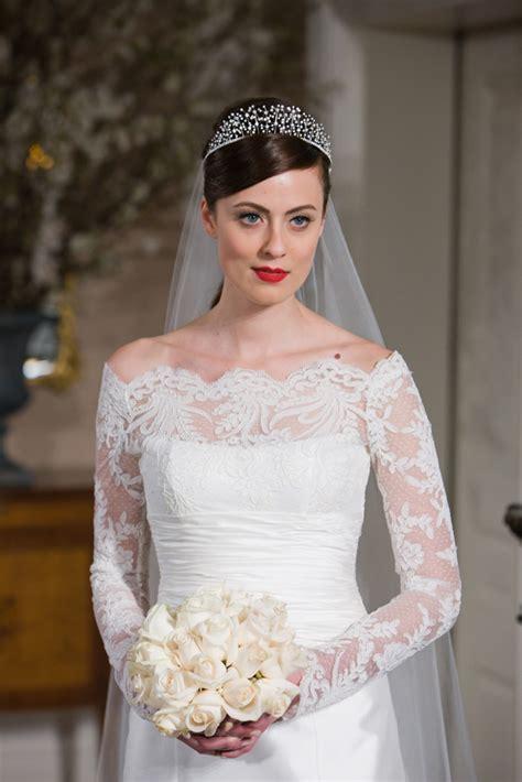 Get Kate's Look: Lace Long Sleeved Wedding Dresses   Belle