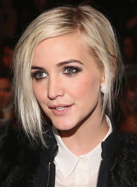 inverted triangle center part hair 33 best ashlee simpson images on pinterest short