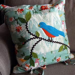 bluebirds leaves quilted pillows applique pattern