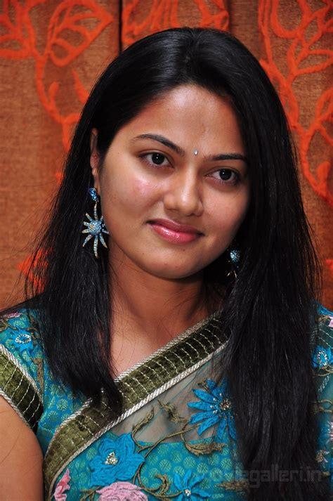 photo gallery telugu actress telugu actress suhasini latest stills photo gallery new
